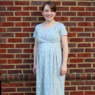Simplicity 1469 – Maternity/Nursing Dress
