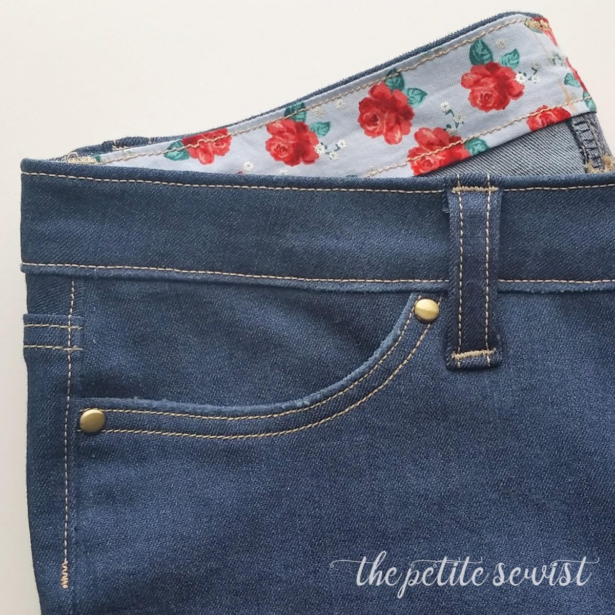 7 Tips for Sewing Jeans that everyone should know, by the petitesewist.com, tips to help you on your jeans sewing journey