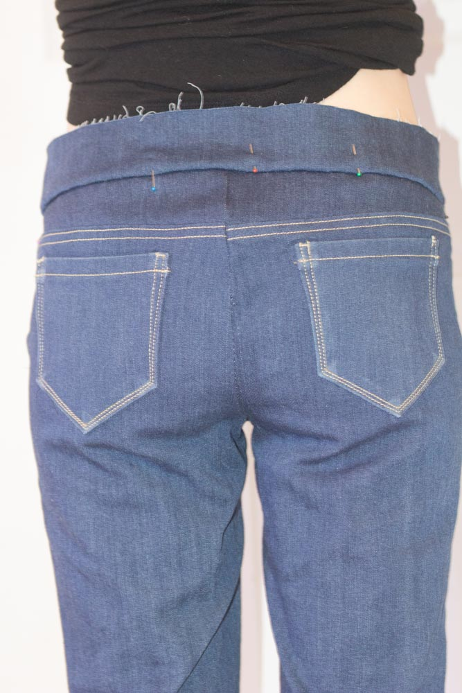 7 tips for sewing jeans that everyone should know, by The Petite Sewist.com