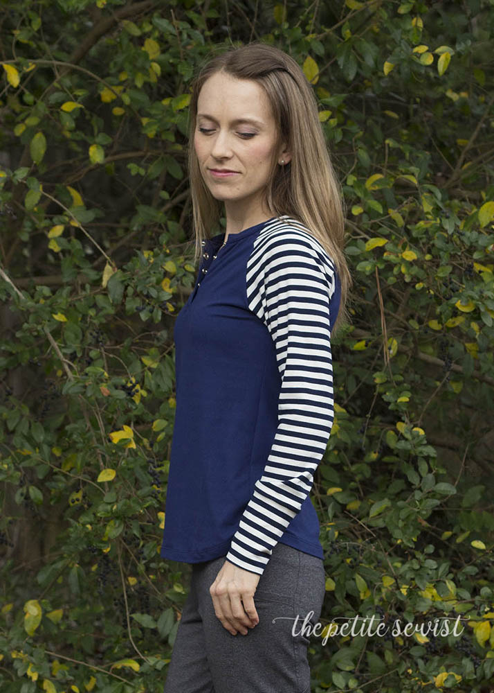 Visby Henley & Top Pattern by Itch to Stitch - pattern review by thepetitesewist.com