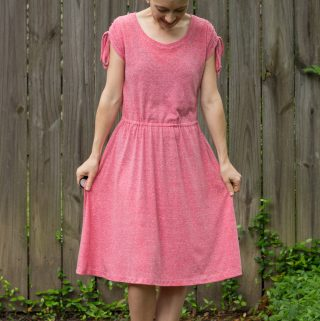Deer Creek Dress by New Horizons + diy ruched shoulders - pattern review by thepetitesewist.com